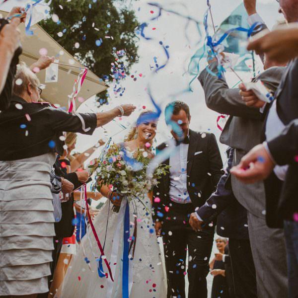Bunte Hochzeit auf der Elbe - Daniela & Sebastian
